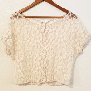 Jan 7 Embroidery Lace Pattern Top